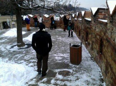 wpid-talvista-Prahan-linnan-portilla-1.jpg